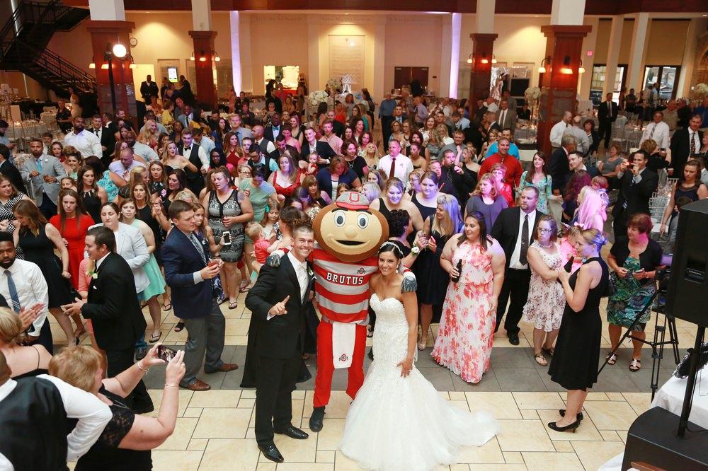 columbus-ohio-wedding-photographer-red-gallery-photo-1439