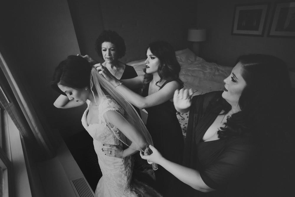 columbus-ohio-wedding-photographer-red-gallery-photography-ivory-room07