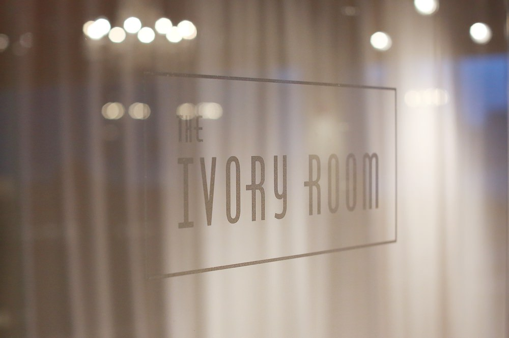 columbus-ohio-wedding-photographer-red-gallery-photography-ivory-room27