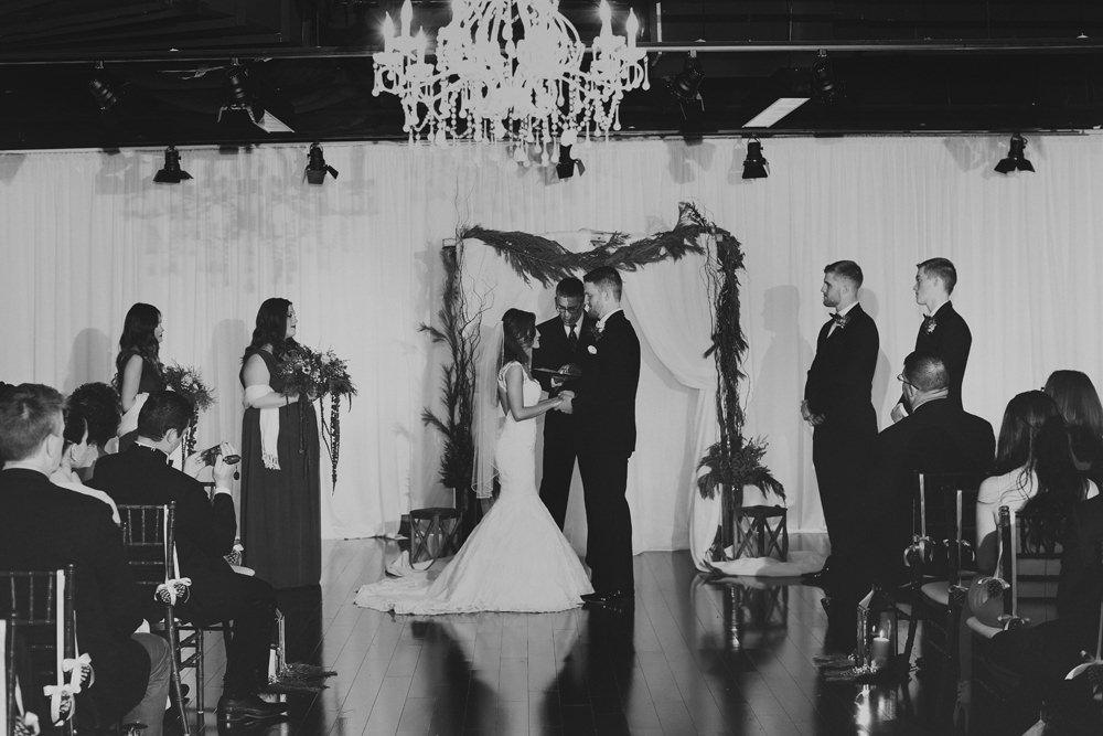 columbus-ohio-wedding-photographer-red-gallery-photography-ivory-room31
