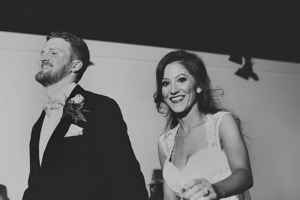 columbus-ohio-wedding-photographer-red-gallery-photography-ivory-room39