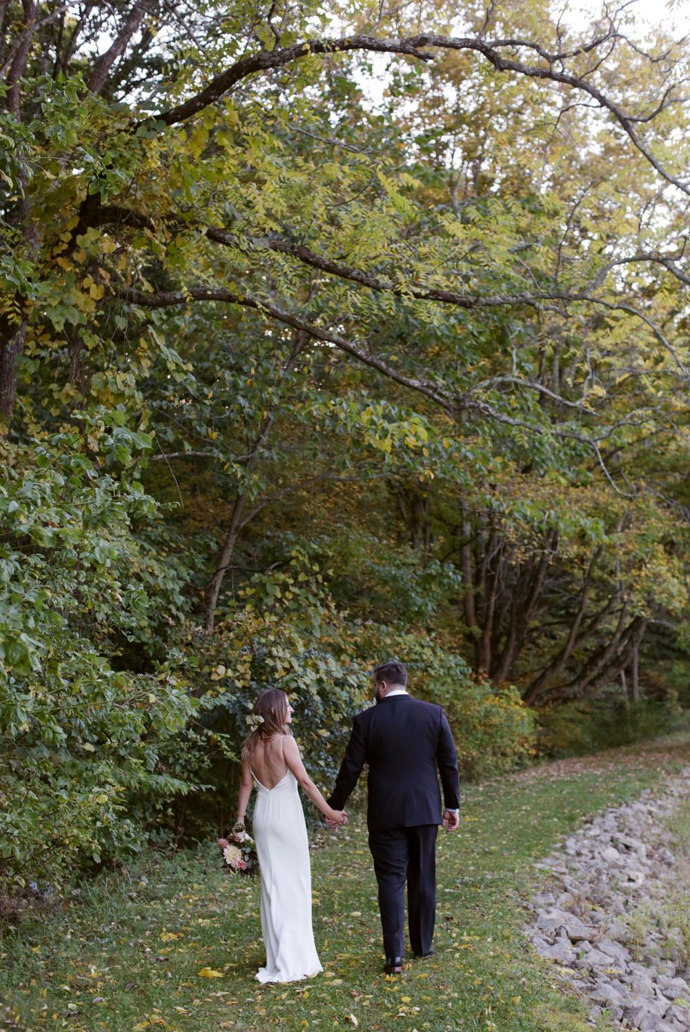 columbus-ohio-wedding-photographer-red-gallery-photography-rockmill-brewery 26