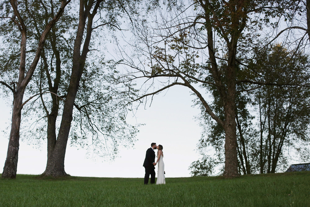 columbus-ohio-wedding-photographer-red-gallery-photography-rockmill-brewery 34