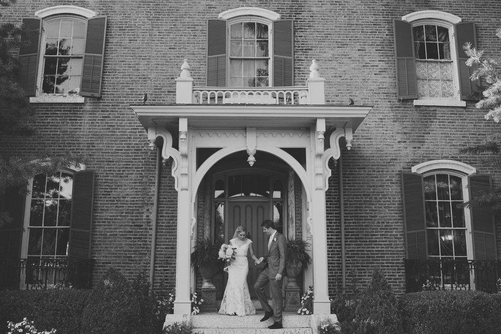 columbus-ohio-wedding-photographer-taylor-mansion-red-gallery-photo 41