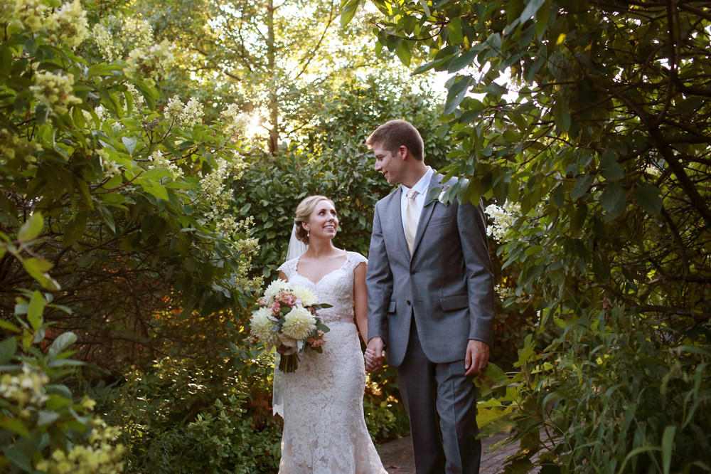 columbus-ohio-wedding-photographer-taylor-mansion-red-gallery-photo 42